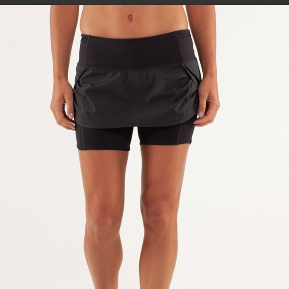 lululemon athletica Dresses & Skirts - Lululemon Run Speed squad skirt size 8